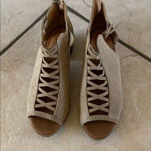 Cute Soda shoes - size 4